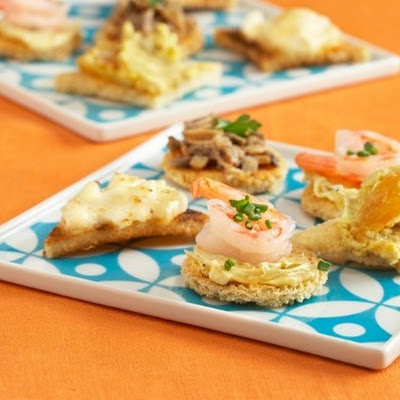 Shrimp Curry Butter Canapés