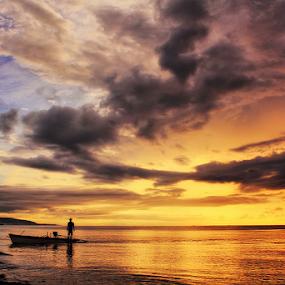 Dipagi hari by Jimmy Papia - Landscapes Sunsets & Sunrises