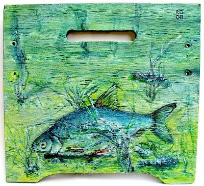 Foto Bild: Griffbrett mit Süßwasserfisch 1 - Fischbrett (c) Rolf Boscheinen 2008