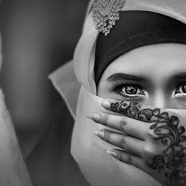 sahara  by Dedy Darmanto - People Portraits of Women ( mood, bw, conceptual, potraiture )