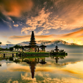 Ulundanu by I Komang Windu - Landscapes Cloud Formations ( canon, temple, bali, travel, sunrise, tabanan, photography )