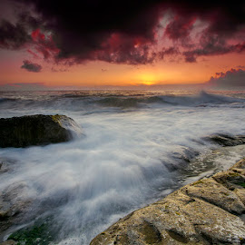 The Sunset, the rock and the wave by Jaime Carvalho - Landscapes Waterscapes