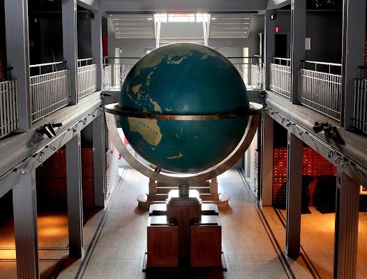 Het museum waar bezoekers in het Universeel bibliographisch Repertorium kunnen bladeren.