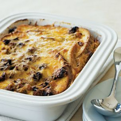 Sausage Strata with Cheddar Cheese and Sun-Dried Tomatoes
