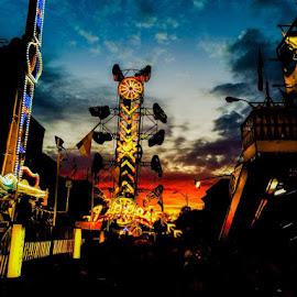 by Jeremy Muller - City,  Street & Park  Amusement Parks
