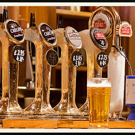 Time for a Pint. by Simon Page - Food & Drink Alcohol & Drinks