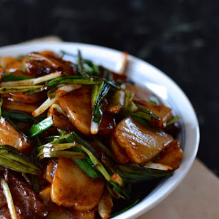 Steak and Scallion Rice Cake Stir-Fry