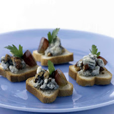 Blue Cheese Canapes with Pecans and Grapes