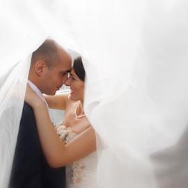 In Love by Vasiliu Leonard - Wedding Bride & Groom ( wedding photography, fotograf nunta iasi, wedding day, wedding, wedding dress, vasiliu leonard, fotografii nunti iasi )
