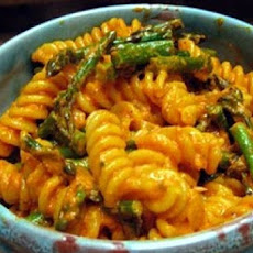 Pasta with Speedy Romesco Sauce