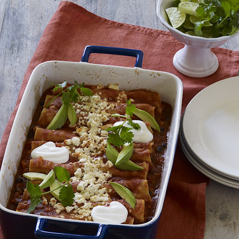 Black Bean and Sweet Potato Enchilada Bake Recept | Yummly