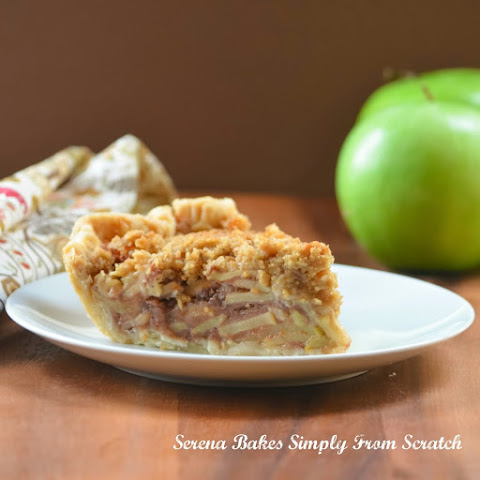 Caramely Apple Pie With Crumb Topping