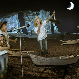Last Laugh by Beth Schneckenburger - People Group/Corporate ( children, lake, ufo, telescope, boat )