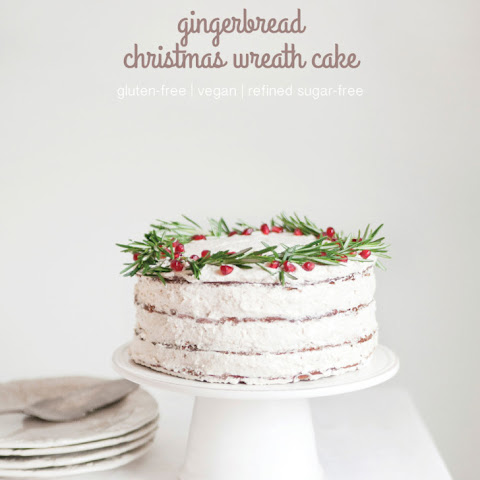 Gingerbread Christmas Wreath Cake