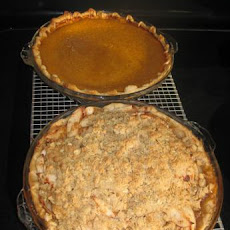 Golden Delicious Apple Pie With Oatmeal Crumb Topping