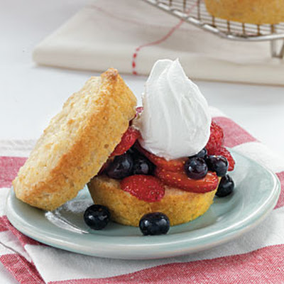 Vanilla Sponge Cakes with Fresh Berry Filling