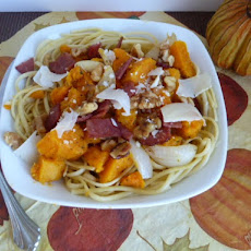 Roasted Butternut Squash, Turkey Bacon, and Walnuts on Linguine