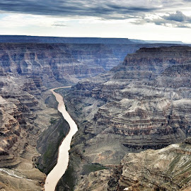 Grand canyon helicopter ride by Silvia Antonucci - Landscapes Deserts