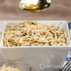 30-minute Spaghetti with Garlic and Olive Oil