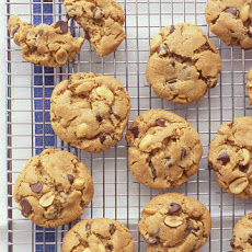 Flourless Peanut-Chocolate Cookies