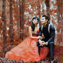One Heart by Amin Basyir Supatra - Wedding Bride & Groom ( love, bali, false color, wedding, couple, botanical garden )