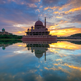 Sunrise at Putra Mosque by Nur Ismail Mohammed - Buildings & Architecture Places of Worship