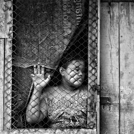 by Ayah Adit Qunyit - People Street & Candids