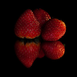 Scarlet by Alí AWaís - Food & Drink Fruits & Vegetables ( reflection, red, food, nikon, strawberry )