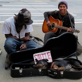 STREET MUSIC by Gary Colwell - People Street & Candids ( music, washington, seattle, street, smile )