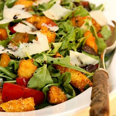 Mixed Tomatoes And Arugula Salad With Crispy Polenta
