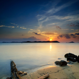 beauty sunset batam isand by Endra Sunarto - Landscapes Sunsets & Sunrises ( #nature #sea scape #water scape #sunse )