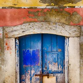 Old colored door by Carlos Pereira - Buildings & Architecture Homes ( old colored, door )