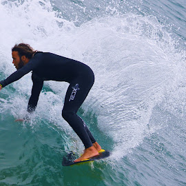 by Rick Dodele - Sports & Fitness Surfing
