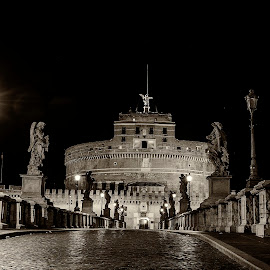 Castel Sant'Angelo by Ivano Mancino - Buildings & Architecture Public & Historical ( castle of the holy angel delete, rome, castel sant'angelo, mausoleum of hadrian, italy )