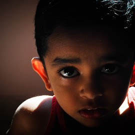 Scare vs Stare by Balamurugan Anbazhagan - Babies & Children Child Portraits ( boy, portrait )