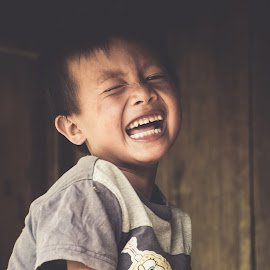 A child's Laughter by Split2nd Evolutions - Babies & Children Children Candids ( children portrait, laugh, children candid, children, children candids, childrens, children photography, smiles, portrait, child, childhood, portraits, smile, philippines, laughter )