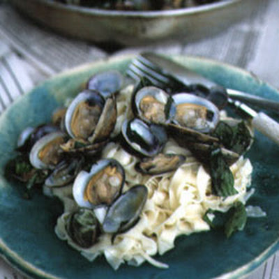 Pasta with Clams and Basil