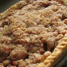 Cinnamon Apple Crumb Pie