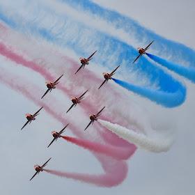 Red Arrows Hawk T1A Appolo Formation.jpg