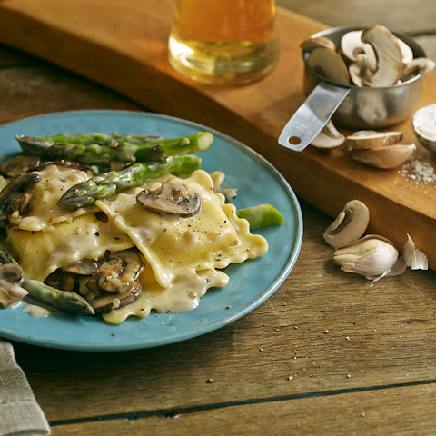 Mushroom Ravioli with Asparagus and Sherry Cream Sauce