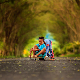 Main Klaker by Suprapto Suprapto - Babies & Children Children Candids ( playing, nature, happy, children, candid,  )