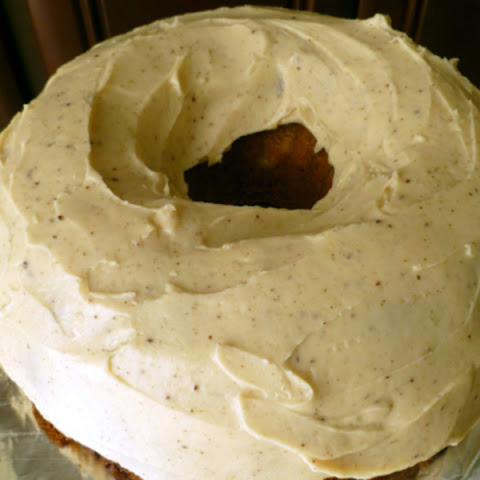 Cream-filled pumpkin Bundt cake