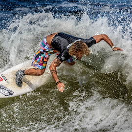 Surf by Jose Augusto Belmont - Sports & Fitness Surfing ( niterói, surfista, wave, onda, itapuca, surf, surfers )