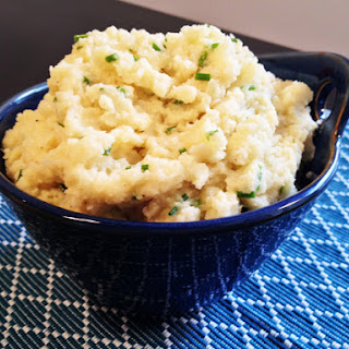 Mashed Cauliflower with Roasted Garlic & Chives