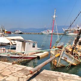 Ship wreck by David Ferris - Transportation Boats