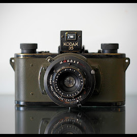 c1942 - WWII US Army Signal Corps Field Camera by Guy Diehl  ©2014 - Artistic Objects Antiques ( film, wwii, vintage, 1940s, camera )