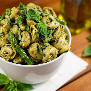 Pesto Tortellini Salad with Asparagus