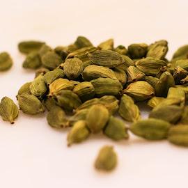 Cardamon by Ashok Natarajan - Food & Drink Ingredients ( rich, seed, spice, cardamon, taste )