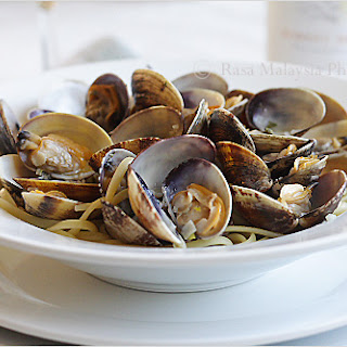 Linguine alle Vongole (Linguine with Clams)
