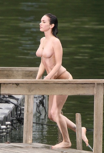 megan-fox-topless-1-04